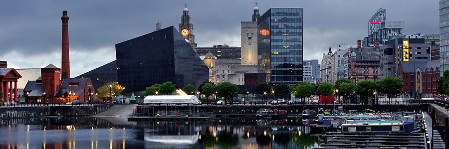 World   England Liverpool City in the evening  England 065435